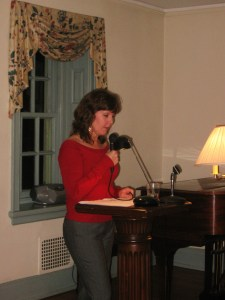 Diane Sahms-Guarnieri reads at Bollingbroke (2)
