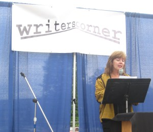 Poet Diane Sahms-Guarnieri reads