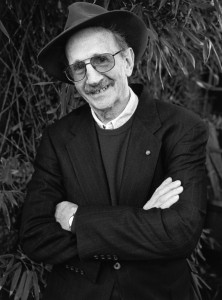Philip Levine in Fresno in 1999. (Photo by Chris Felver Getty Images)